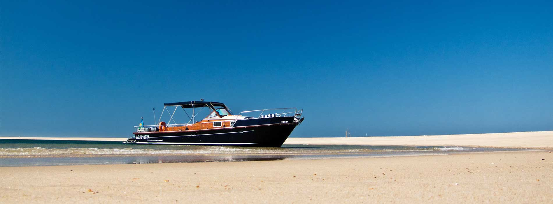 beacher nautique bateau ciel et plage