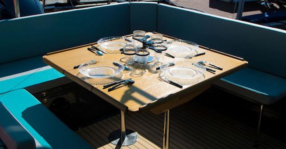 beacher nautique bateau plaisance 13 table