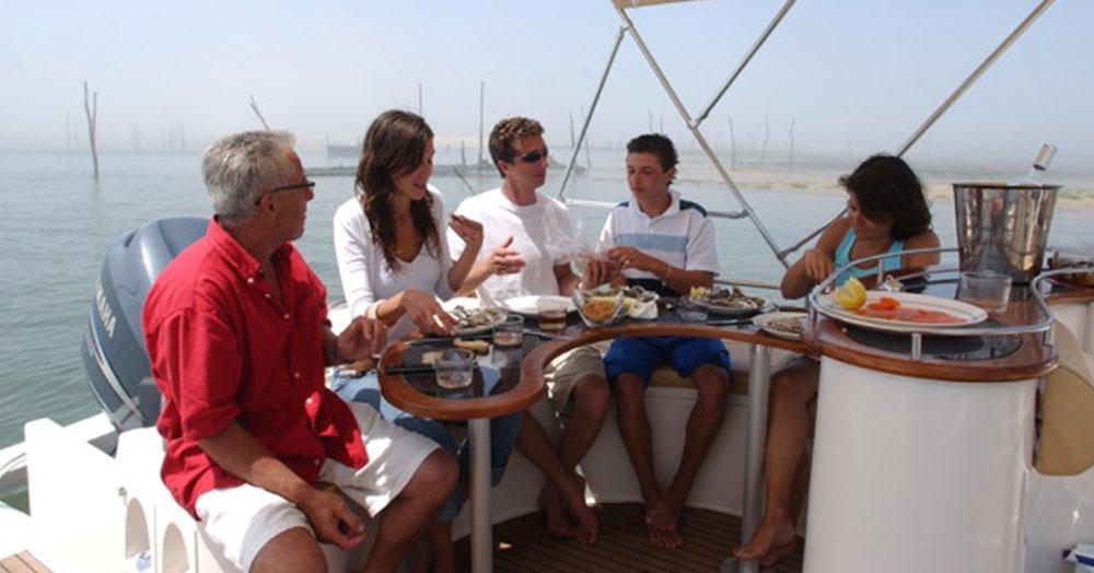 beacher nautique bateau v8 open 4