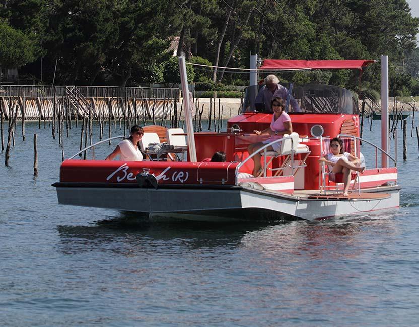 beacher r bateau plaisance rouge