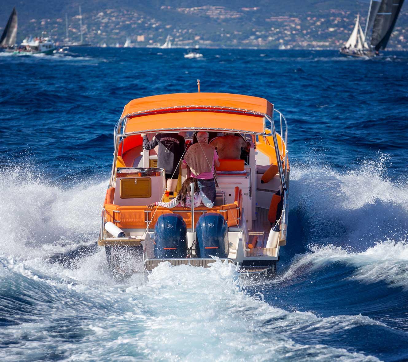beacher nautique bateau de plaisance vagues 2